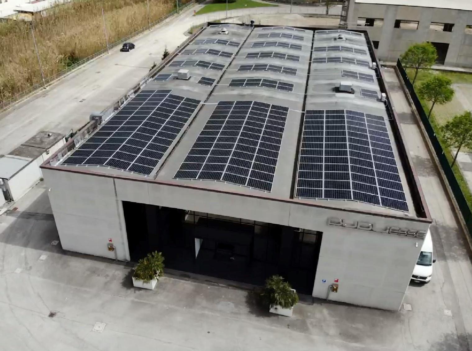 Impianto 106Kwp ad Ancona con Sunpower e Solaredge